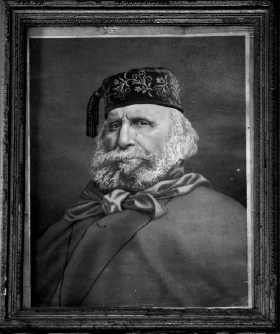 """Il ritratto che è appeso nella parete interna del Circolo Arci """"Ai fichi"""" in Castel di Nocco. Lo stesso Garibaldi lo donò ai Coscera per riconoscenza dell'ospitalità ricevuta in occasione del suo passaggio a Buti il 12 luglio 1867"""